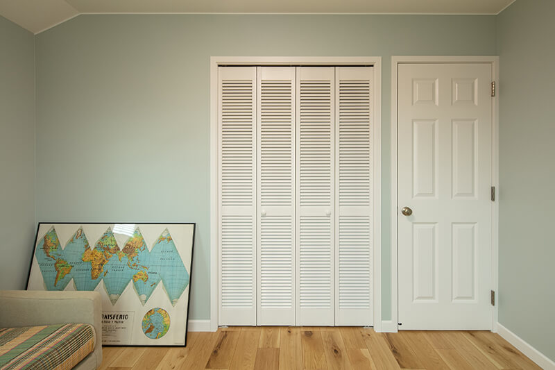美しいフォルムデザインの輸入内部ドア
